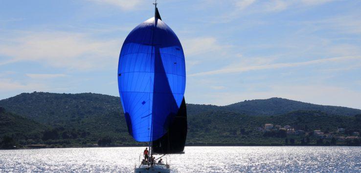 Explication de manœuvres en voilier de location